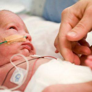 کم شنوایی نوزادان
